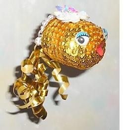 Золотая рыбка. яйцо от киндер-сюрприза лента для оформления букетов золотистая (хвост) и розовая (ротик)...